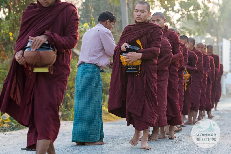 Myanmar Reisetipps | Festival | Tazaungmon-Vollmond-Fest