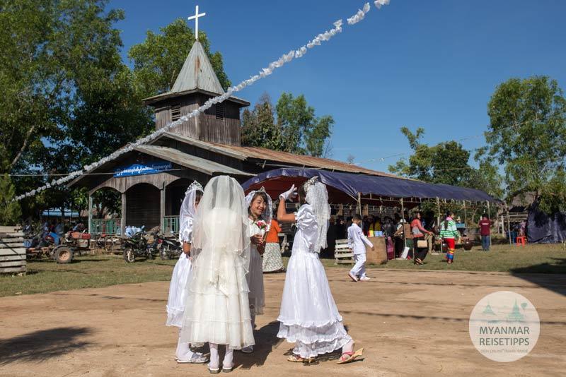 Myanmar Reisetipps | Loikaw | Kurz nach der Weihnachtsmesse