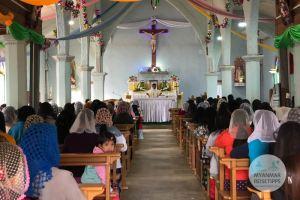 Myanmar Reisetipps | Loikaw | Gottesdienst zu Weihnachten