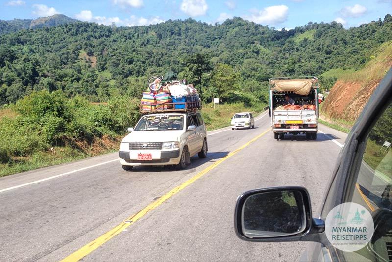 Myanmar Reisetipps | Einreise auf dem Landweg | Sammeltaxi nach Myawaddy