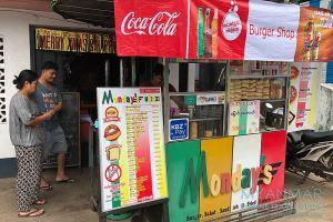 Myanmar Reisetipps | Dawei | Monday's Mini Restaurant mit Burger Shop