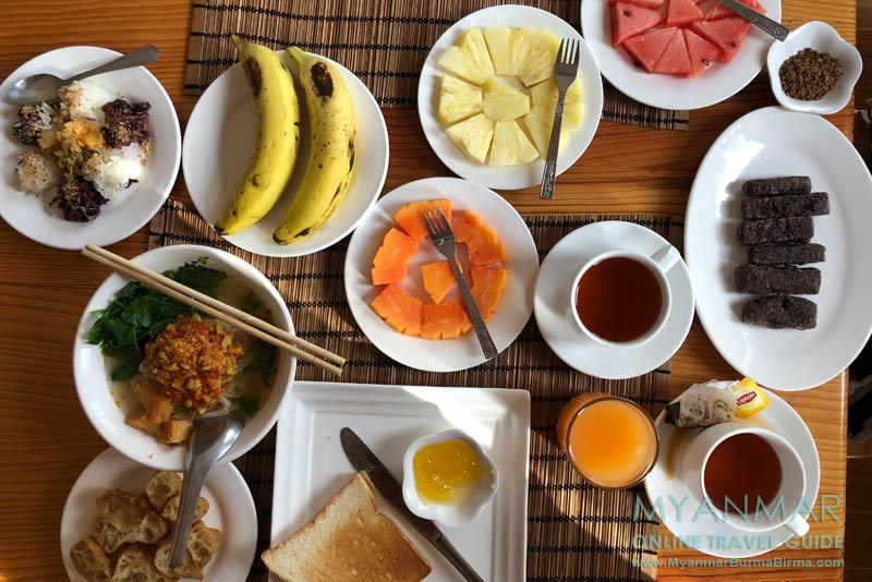 Myanmar Reisetipps | Hsipaw | Frühstück im Golden Guest Hotel