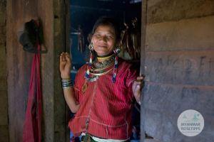 Myanmar Reisetipps | Loikaw | Frau vom Volk der Kayaw in Htay Kho