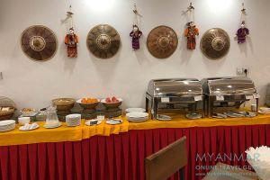 Myanmar Reisetipps | Mandalay | Frühstücksbuffet im Sunny Hotel