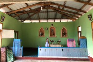 Myanmar Reisetipps | Mindat | Kirche im Chin-Dorf Pan Awet