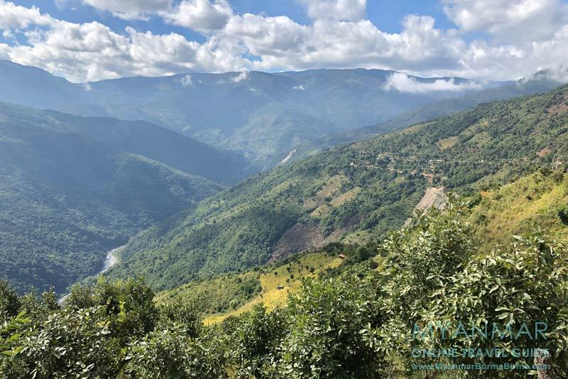 Myanmar Reisetipps | Mindat | Ausblick ins Tal mit dem Fluss Chit Chaung