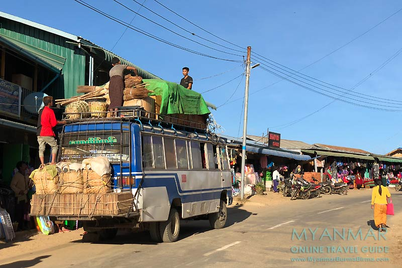 Myanmar Reisetipps | Mindat | Hauptstraße mit Geschäften