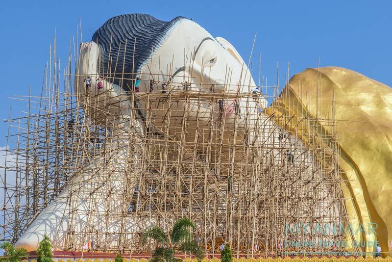 Myanmar Reisetipps | Umgebung von Ye | Liegender Buddha im Tempelkomplex Ko Yin Lay