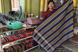 Myanmar Reisetipps | Pakokku | Für Webtextilien ist Pakokku bekannt.