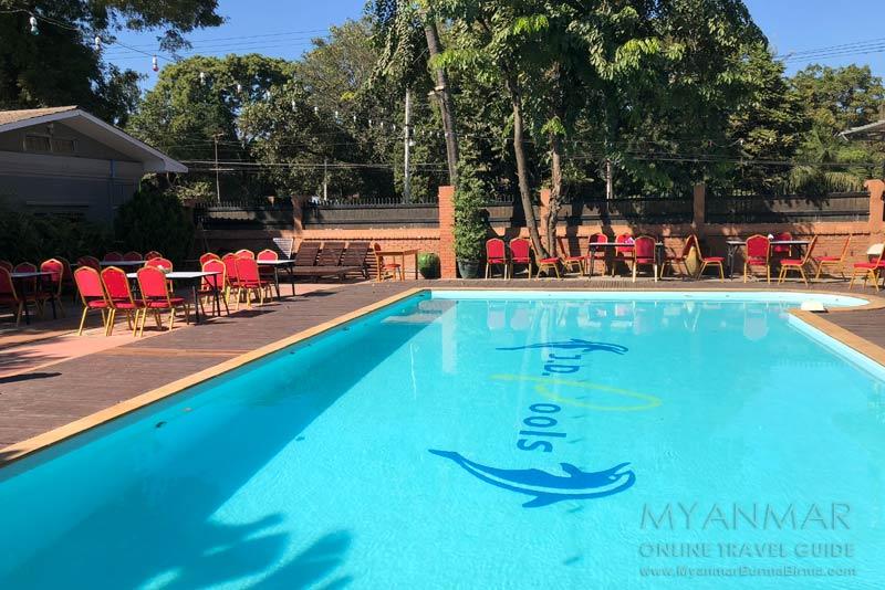 Myanmar Reisetipps | Pakokku | Swimmingpool im Hotel Juno
