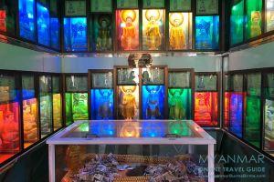 Myanmar Reisetipps | Pakokku | Illuminierte Buddhas in der Pagode Thihoshin