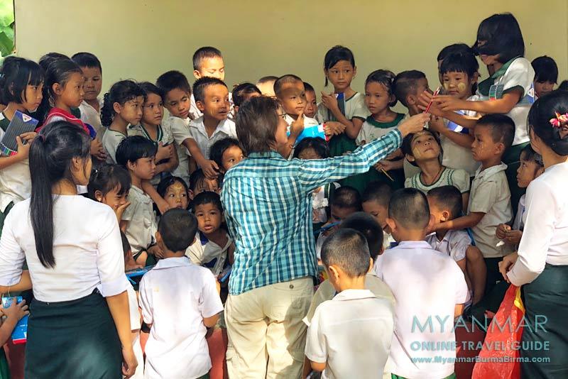 Myanmar Reisetipps | Gastgeschenke und Mitbringsel | Schule in Hpa-an