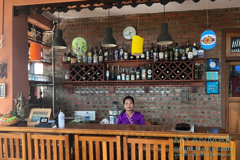Myanmar Reisetipps | Inle-See und Indein | Minthamee Bar & Bistro