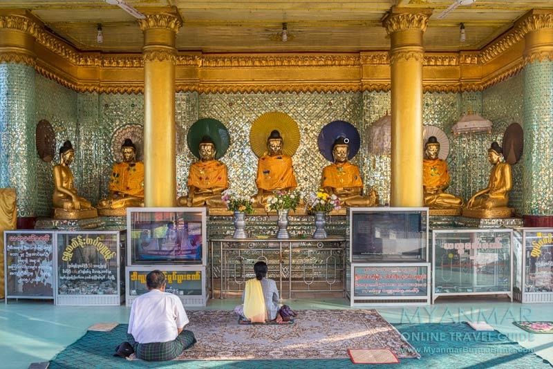 Myanmar: Buddhas in der Shwemawdaw-Pagode in Bago