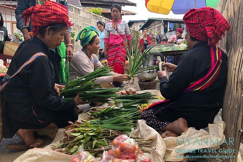 Myanmar Reisetipps | Umgebung von Kalaw | Pa-O-Frauen auf dem Markt in Tikyit
