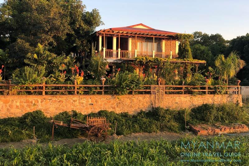Myanmar Reisetipps | Sale | Salay River View Inn im Abendlicht