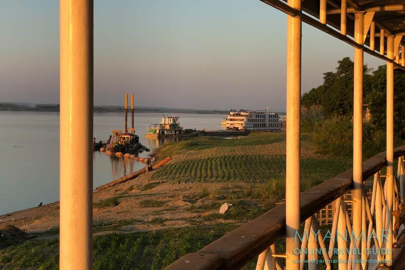 Myanmar Reisetipps | Sale | Abendstimmung am Ayeyarwady-Fluss