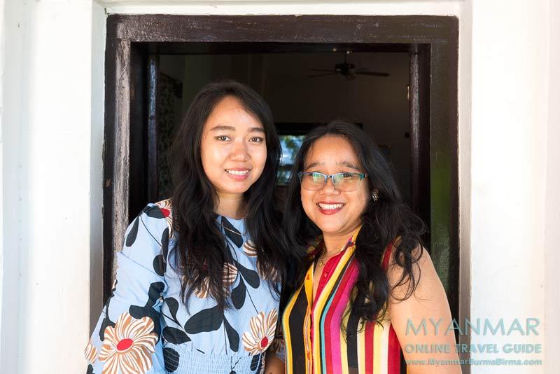 Myanmar Reisetipps | Sale | Die zwei Schwestern Wah Wah Tint Swe und Kyi Pyar Tint Swe sind Besitzerinnen von The Stamp - Restaurant und Bar.