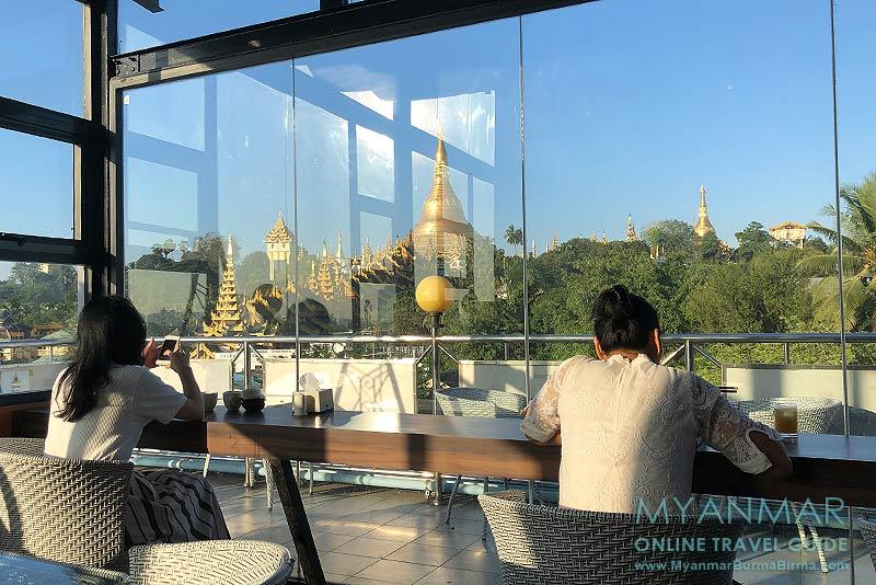 Myanmar Reisetipps | Yangon | Moon Bar im Hotel Azumaya