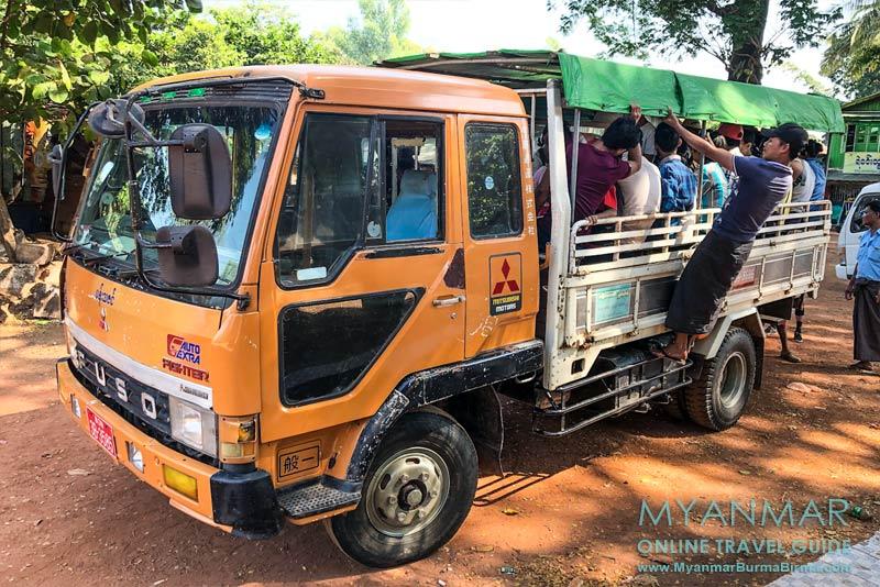 Myanmar Reisetipps | Kyaikhto | Für 500 Kyat kostet ein Sitzplatz im Truck vom Bahnhof Kyaikhto zum Basislager Kinpun.