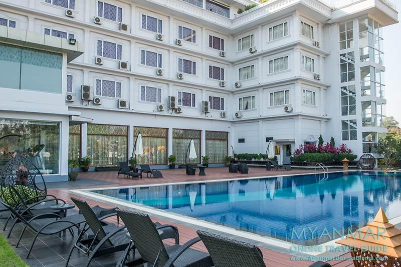 Myanmar Reisetipps | Mawlamyaing (Mawlamyine) | Swimmingpool im Royal Hinthar Hotel