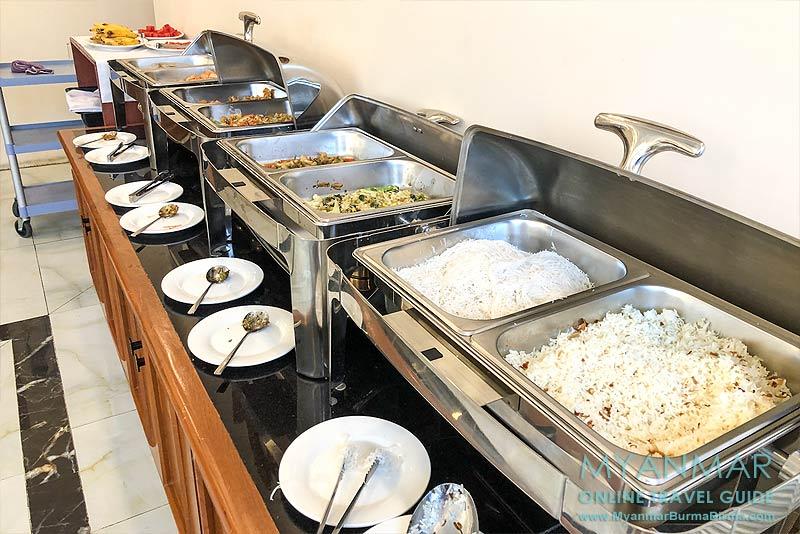 Myanmar Reisetipps | Meiktila | Frühstücksbuffet im Hotel Shwe Ohn Pin