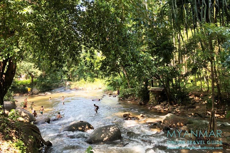 Myanmar Reisetipps | Thandaung | Badespaß im Pathi Chaung
