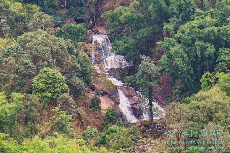 Myanmar Reisetipps | Thandaunggyi | Wasserfall Ward 5 kurz vor dem Bergdorf