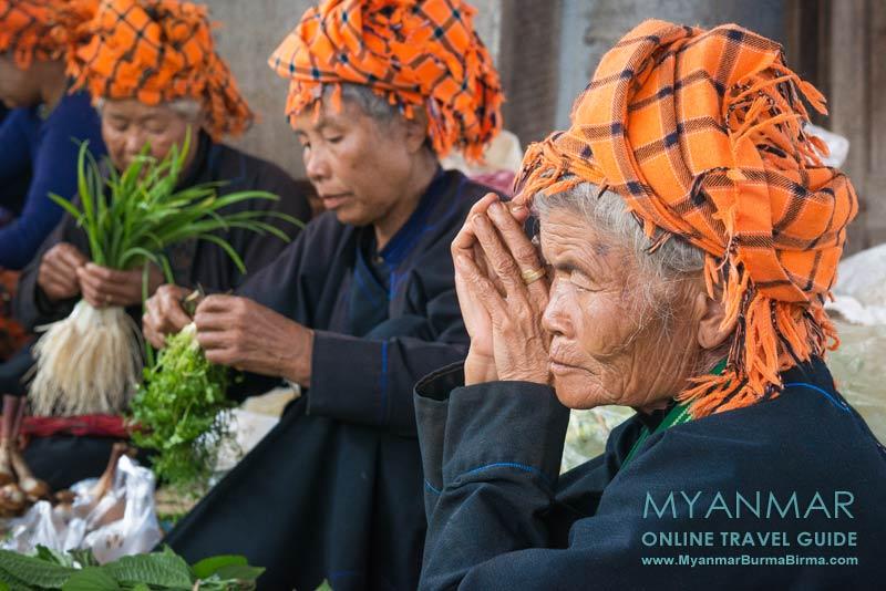 Myanmar Reisetipps | Pinlaung | Pa-O-Frauen auf dem 5-Tage-Markt