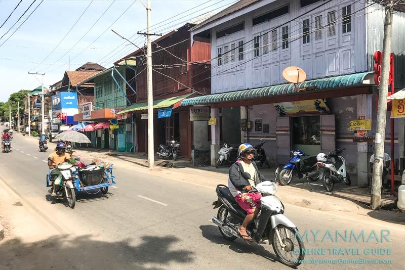 Myanmar Reisetipps | Myeik | Alte Holzhäuser in der Pearl Road