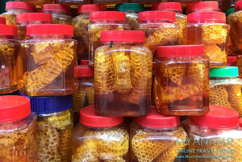 Myanmar Reisetipps | Pyin U Lwin | Honigverkauf vor der Peik-Chin-Myaung-Höhle