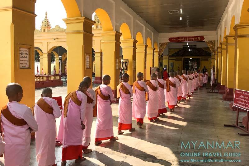 Myanmar Reisetipps | Hsipaw | Junge Nonnen in der Mahamyatmuni-Pagode