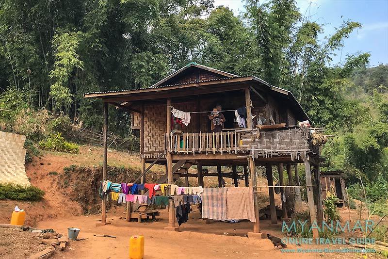 Myanmar Reisetipps | Hsipaw | Typisches Stelzenhaus in Pankam